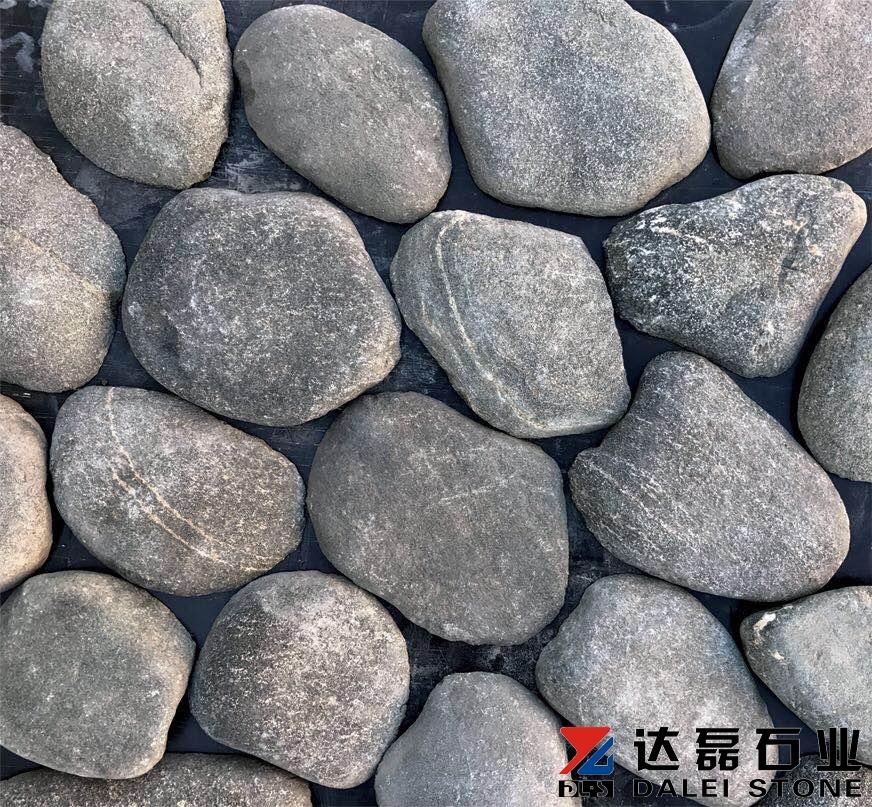 pebble stone wall cladding.jpg